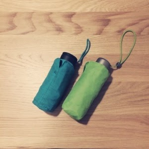 【雨の日の愛用品】コンパクトな傘で雨を楽しむ。