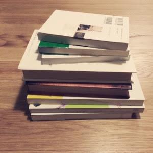 私の本の手放し方、たまった本を断捨離する基準。