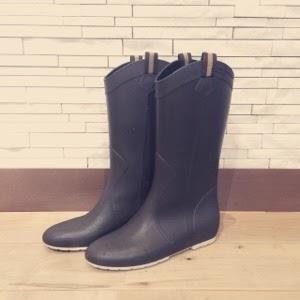 【ワードローブ】雨の日の愛用レインブーツ(長靴)