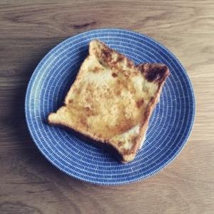 簡単ふんわりとろーりフレンチトーストを作るコツ、一晩浸す必要なし!