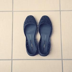 【ワードローブ・夏の靴編】メリッサのラバーシューズが楽、雨の日にもおすすめ。