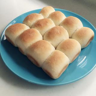 「日本一簡単に家で焼けるパンレシピ」を使って初めてのパン作り。