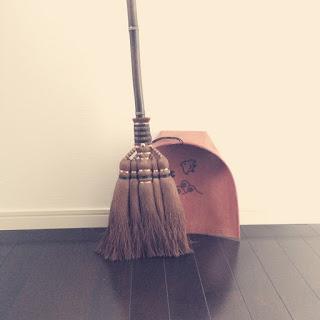 【掃除】棕櫚箒とはりみとコーヒーかすと。