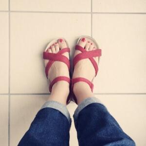 【ワードローブ・靴編】アルコペディコのサンダルが歩きやすくて、履きやすい。