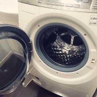 酸素系漂白剤(オキシクリーン)でドラム式洗濯機を掃除する方法。