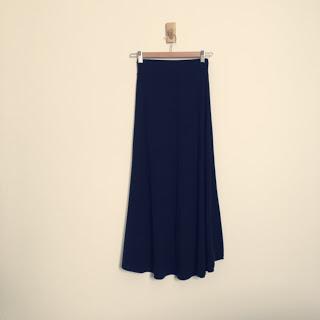 【ワードローブ】スウェット素材のロングスカート、ヨガに行く時も便利アイテム。