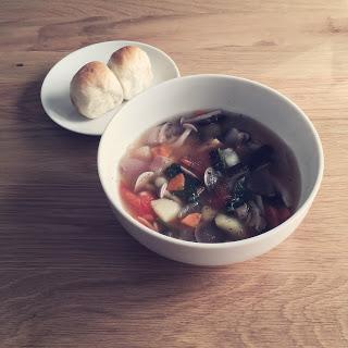 【簡単美味しい】野菜たっぷり、食べるスープのススメ。