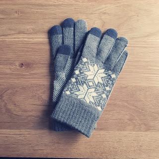 【ワードローブ】無印のスマホ対応手袋。気になるタッチパネルの反応は?