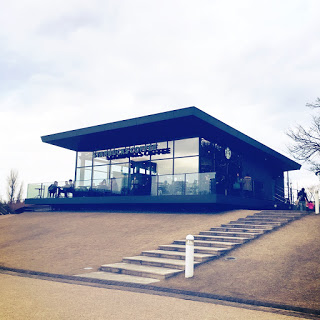 【世界一美しいスタバ】空が近くて広い、富山環水公園店へ行ってきた。