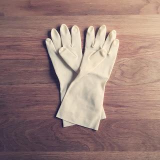 100円均一で買って良かった、私の冬の相棒ゴム手袋。