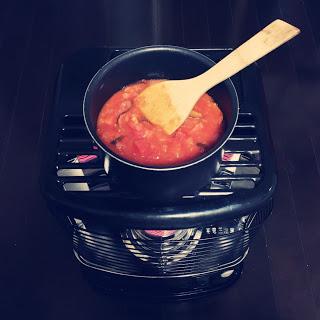 ストーブの上 トマトソース