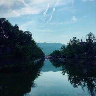 【梅雨を楽しむヒント】水と緑のある風景をみて思うこと。