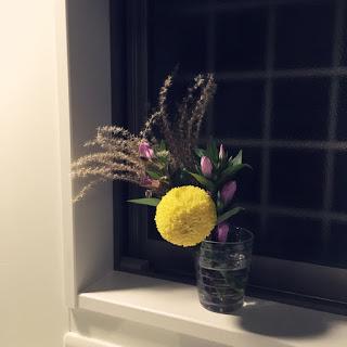キッチンに花があると「片付けがはかどる」という効果。