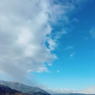 小さな山登り感覚で楽しむ坂道。