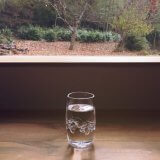 カフェ 水