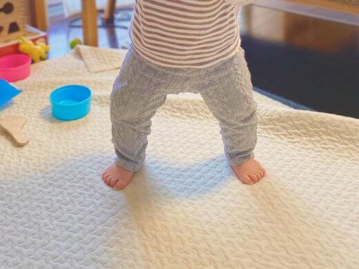 赤ちゃん 立つ